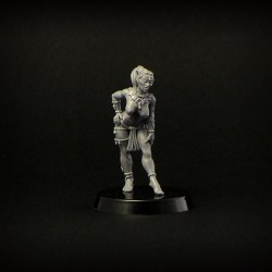 Brother Vinni Miniatures 28 mm elven guard female unarmed
